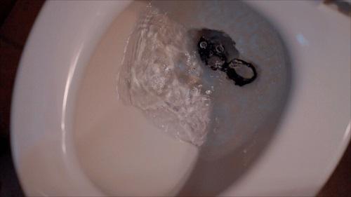 سماعات Powerbeats Pro الجديدة - ما مدى مقاومتها للماء؟!