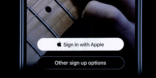 تحديث iOS 13 - ميزة Sign In with Apple