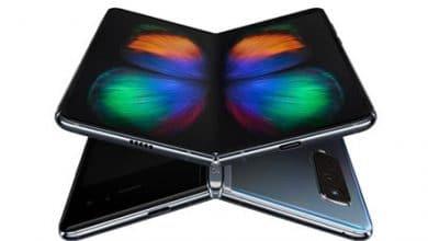 Photo of هاتف سامسونج جالكسي Fold القابل للطي بات متاحاً للشراء من جديد!