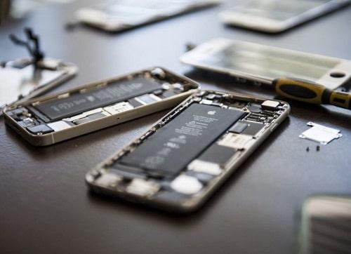 ابل تقول أنها لا تربح شيئاً من إصلاح وصيانة هواتف الايفون!