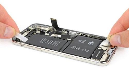 لماذا قد يجبر الاتحاد الأوروبي ابل على تعديل تصميم الايفون؟
