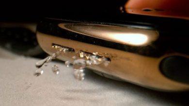 صورة بالتصوير البطيء – كيف تتخلص ساعة ابل من المياه التي تتسرب إليها؟!