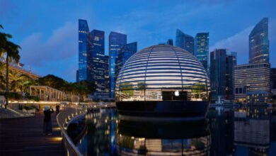 افتتاح متجر ابل العائم فوق الماء في سنغافورة - تحفة معمارية من الداخل والخارج!