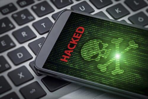 كيف تعرف إن كان هاتفك الأندرويد مخترق؟ وكيف تحمي نفسك من ذلك؟