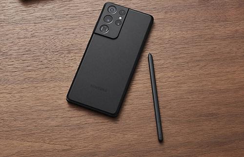 جالكسي S21 ألترا يدعم قلم S Pen لكنه يباع منفرداً.