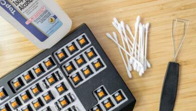 تعرف على طريقة تنظيف لوحة المفاتيح والماوس بشكل صحيح