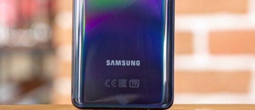 هاتف جالكسي F62 قادم مع شاشة 6.7 بوصة وبطارية 7,000 ملي أمبير