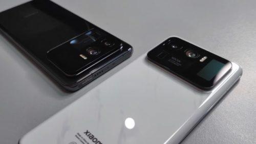 هاتف شاومي مي 11 ألترا مع شاشة خلفية بجانب الكاميرا وتقريب 120 ضعف