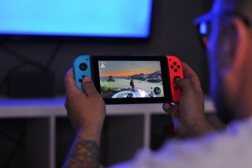 كوالكوم تخطط لإطلاق جهاز ألعاب مثل Nintendo Switch مبني على أندرويد!