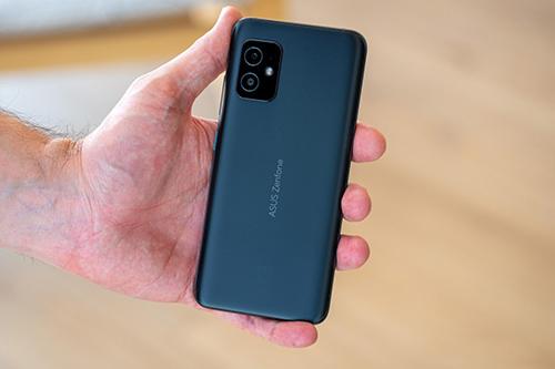 هاتف اسوس زين فون 8 يصل الولايات المتحدة الأمريكية بسعر 599$