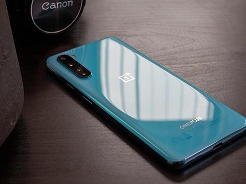 شركة OnePlus تكشف عن مواصفات شاشة هاتفها المرتقب OnePlus Nord 2