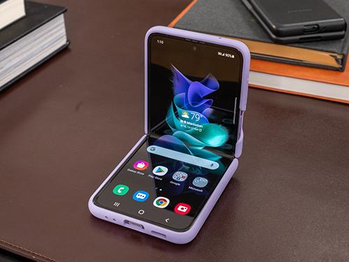 5 أسباب تمنعني من التفكير في شراء هاتف جالكسي Z Flip 3
