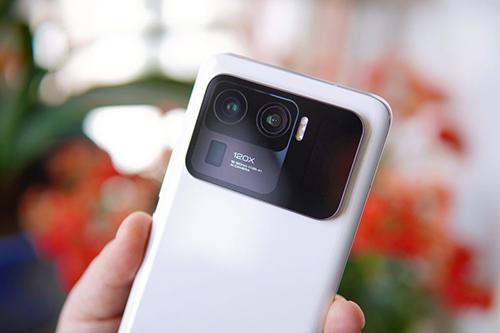 تسريبات - هواتف Xiaomi 12 تحتوي على كاميرا خلفية ثلاثية بدقة 50 ميجابيكسل