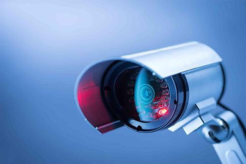 كيف يتم اختراق كاميرا الحاسوب للتجسس على خصوصية المستخدمين - وكيف تحمي نفسك؟