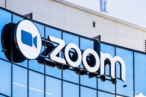 شركة Zoom تقترح تسوية مالية قدرها 85 مليون دولار في دعوى قضائية بسبب انتهاك الخصوصية ومشكلة Zoombombing