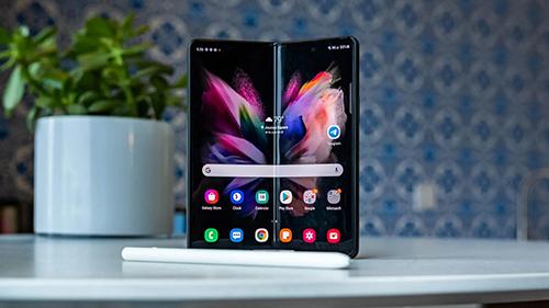هاتف سامسونج جالكسي Z Fold 4 سيأتي بسعر أرخص وتحسينات في خصائص الشاشة والكاميرا