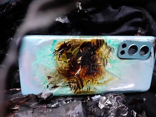 شركة OnePlus في ورطة - انفجار هاتف OnePlus Nord 2 في جيب أحد المدافعين عن حقوق الإنسان في الهند