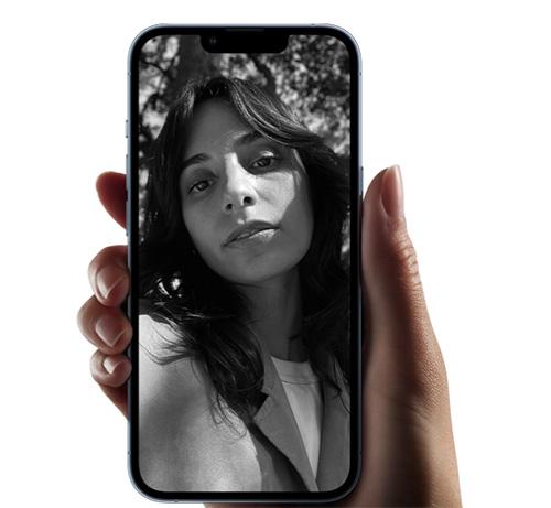 كاميرا السيلفي الأمامية iPhone 13 Pro و iPhone 13 Pro Max
