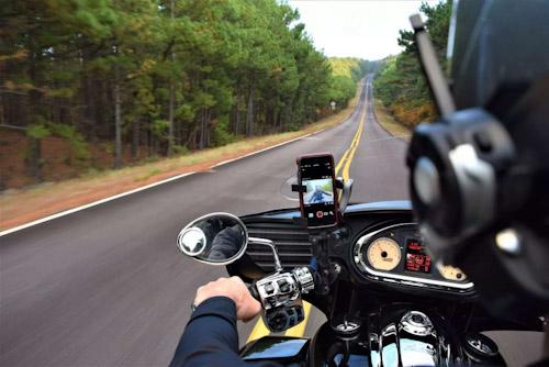 ابل تحذر من تأثير الدراجات النارية على كاميرا الايفون
