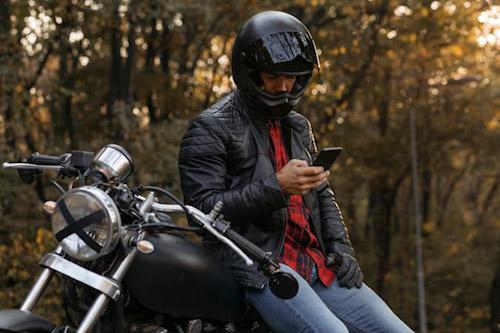 ابل تحذر من تأثير الدراجات النارية على كاميرا الايفون؟